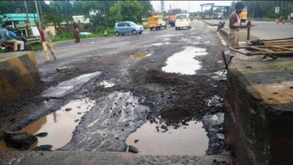 Bad roads Highways India