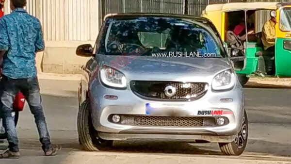 Smart ForFour Electric Car Spied In India