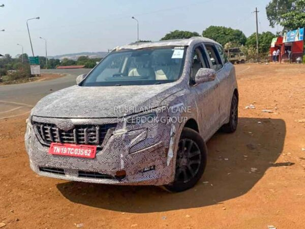 2021 Mahindra XUV500 Diesel AT
