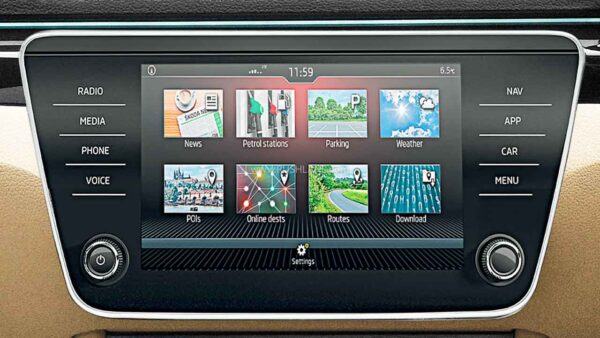 2021 Skoda Superb with updated OS in infotainment system