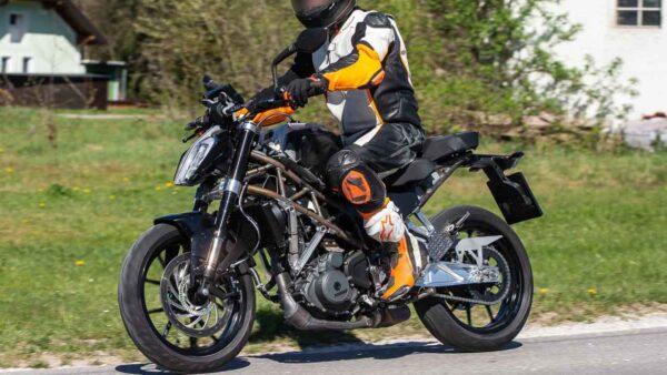 2022 KTM Duke 390