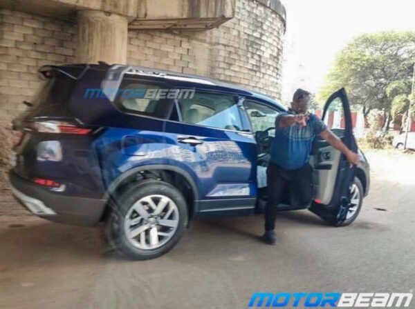 Tata Safari on its way to Dealer Showroom