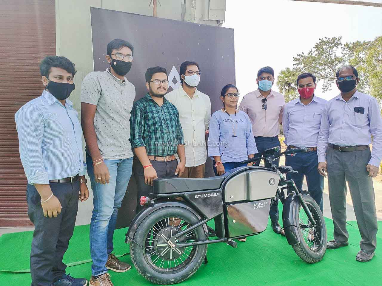Atum Electric Motorcycle First Batch Delivered To Owners In Hyderabad - RushLane
