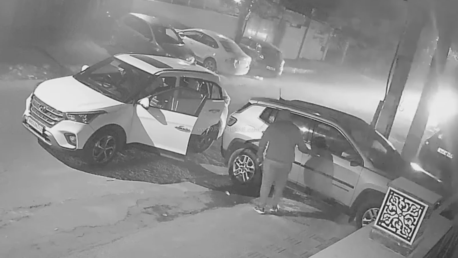 Thieves In Hyundai Creta Steal Jeep Compass Parked On Roadside - CCTV Footage - RushLane