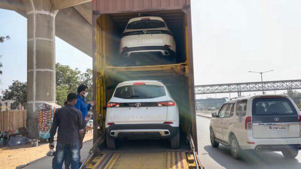 New Tata Safari Arrives At Dealer