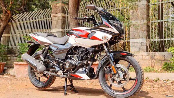2021 Bajaj Pulsar 220F White Colour