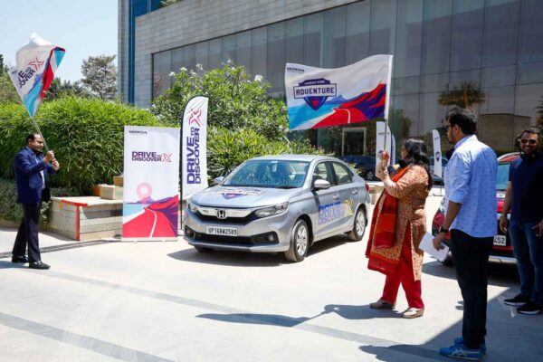 Honda Drive To Discover X - Flag off