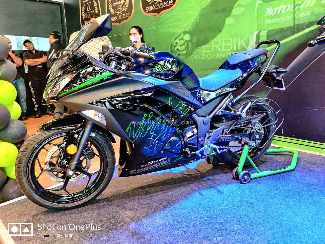 Kawasaki Ninja 300 Arrives At Dealer Showroom - First Look Walkaround - RushLane