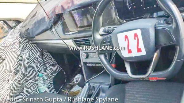 2021 Mahindra XUV500 Mid Variant