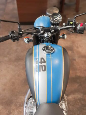Jawa 42 Custom