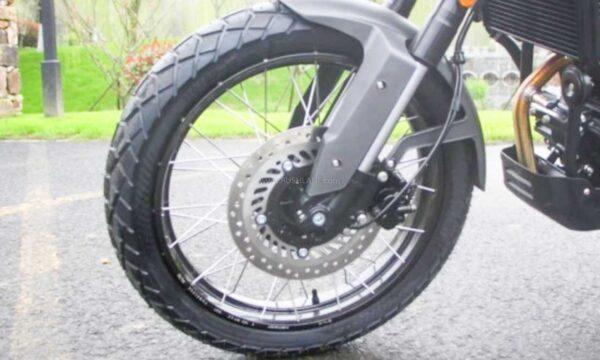 चीन से Royal Enfield Himalayan Copycat Motorcycle को Hanway G30 कहा जाता है