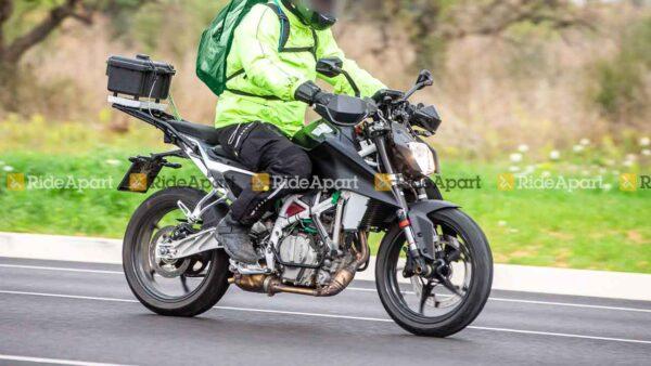 2022 KTM Duke 125, 200 Spied Testing