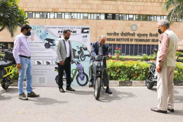 Hope Electric scooter from Geloise Mobility - IIT Delhi incubated startup