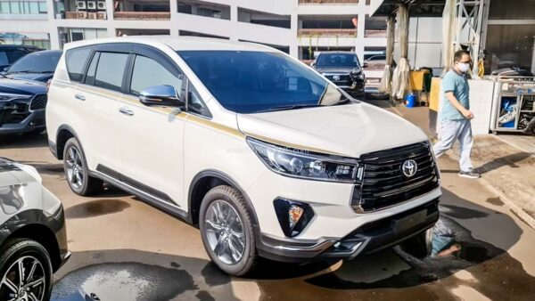 Toyota Innova 50th Anniversary Edition