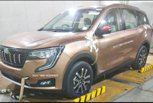 2022 Mahindra XUV700