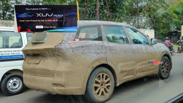 New Mahindra XUV700 Spied