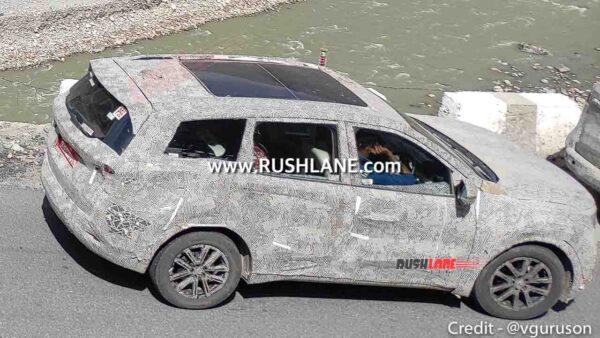 Mahindra XUV700 Sunroof - aka Skyroof