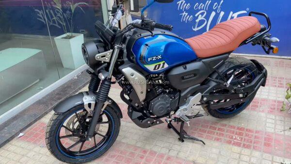 Yamaha FZ-X Walkaround