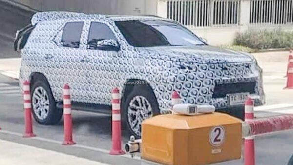 2022 Toyota Fortuner Spied