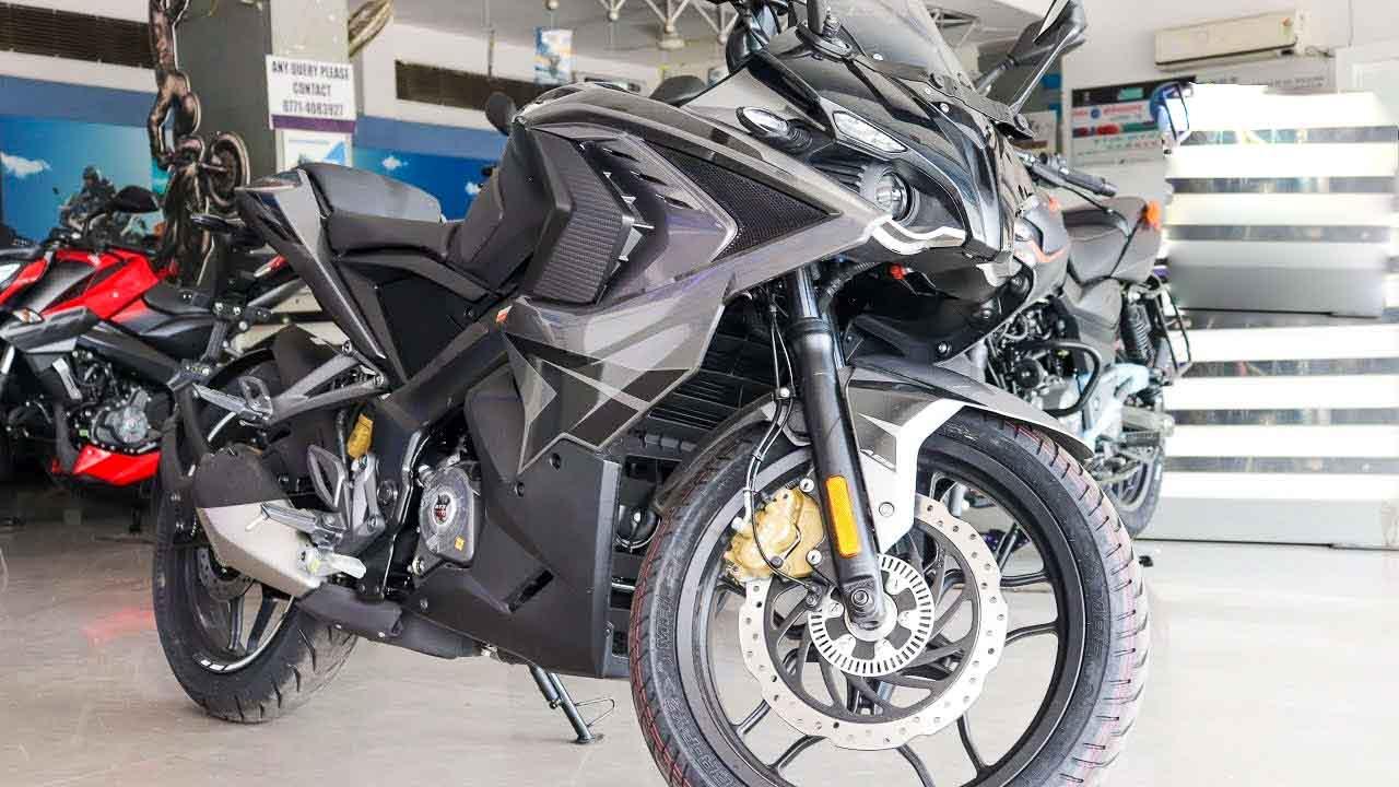 Bajaj Pulsar Rs200 Black Colour Is Back First Look Walkaround