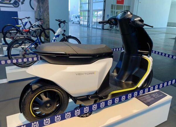 Husqvarna electric scooter Vektorr