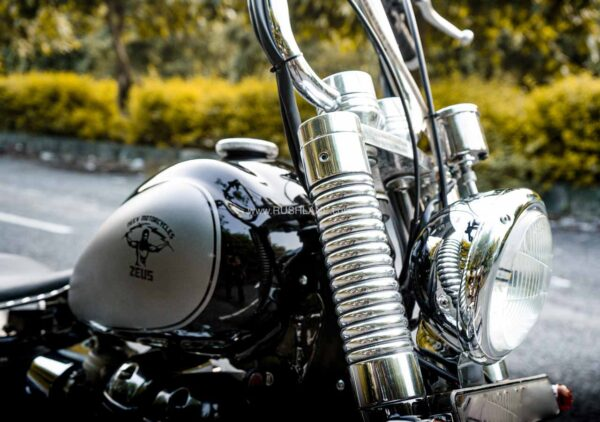 Royal Enfield Classic modified into a Bobber